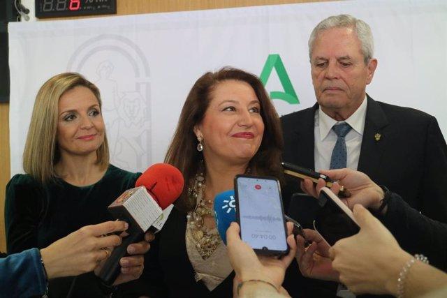 La consejera de Agricultura, Ganadería, Pesca y Desarrollo Sostenible, Carmen Crespo, este domingo en Vera (Almería)