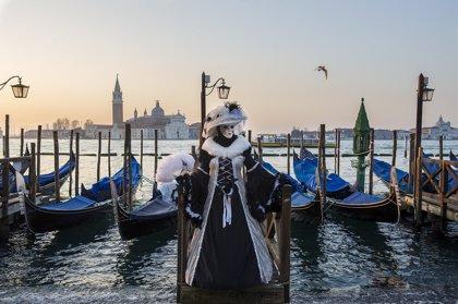 Italia suspende el Carnaval y los eventos en La Scala mientras los casos por coronavirus suben a 132