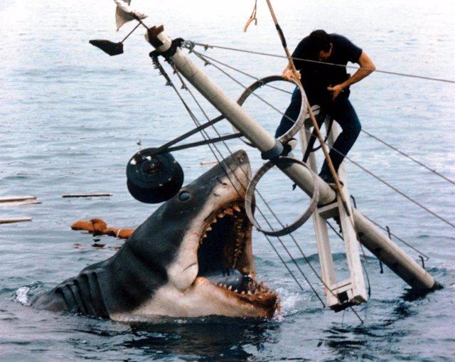 Imagen del rodaje de Tiburón de Steven Spielberg,