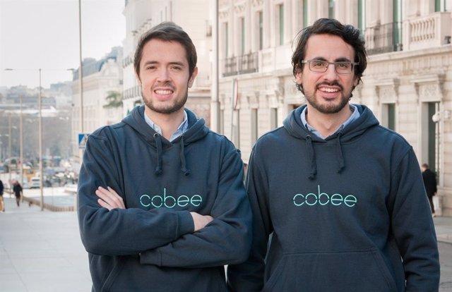Borja Aranguren (izquierda) y Daniel Olea, cofundadores de Cobee