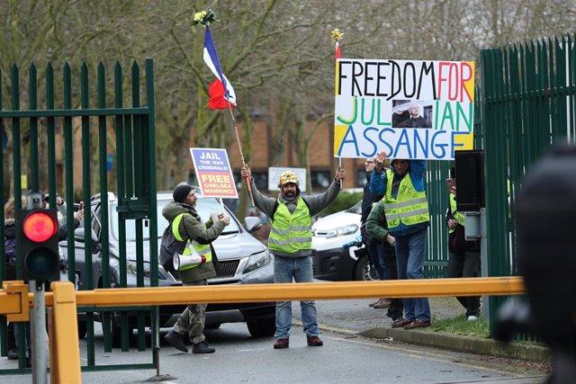 Seguidores de Julian Assange