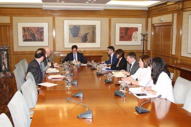 El ministro de Sanidad, Salvador Illa, preside la reunión diaria del Comité de Evaluación y Seguimiento del Coronavirus, el 24 de febrero de 2020.