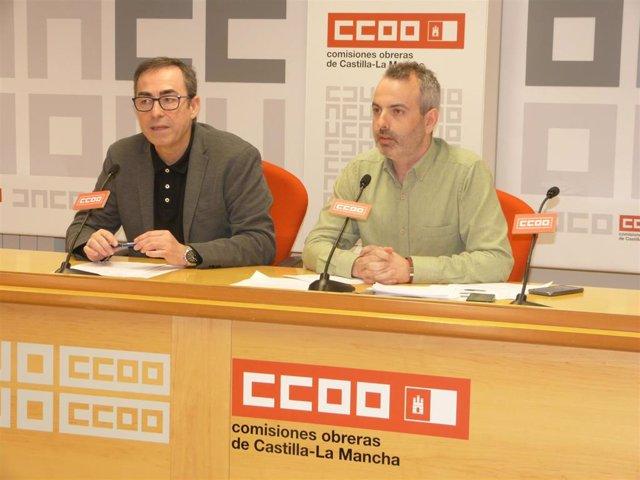 El secretario general de CCOO en Castilla-La Mancha, Paco de la Rosa, en rueda de prensa