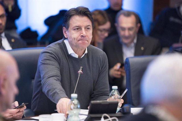 El primer ministro de Italia, Guiseppe Conte, en una reunión en Roma