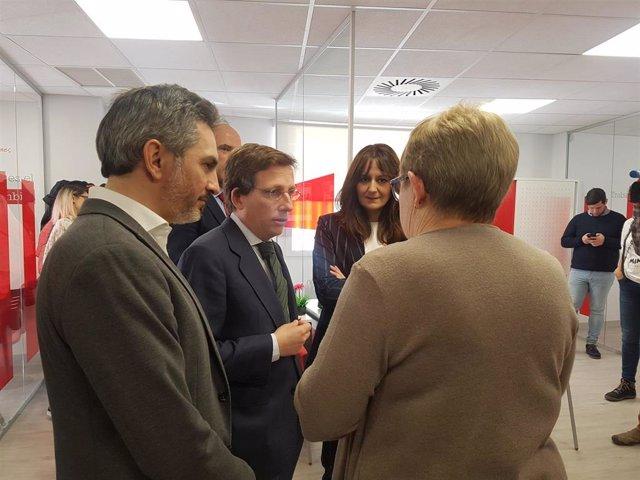 Almeida y Aniorte en la nueva sede de Cruz Roja