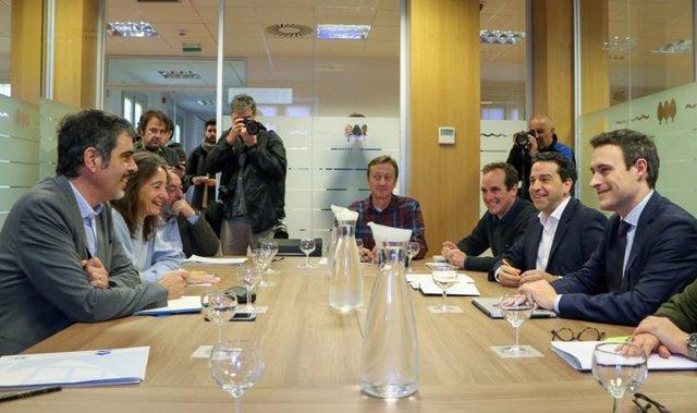 Reunión de la mesa sobre la tasa turística.