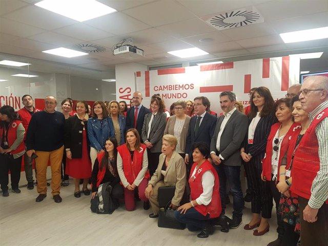 Almeida y Aniorte inauguran sede de Cruz Roja en Carabanchel