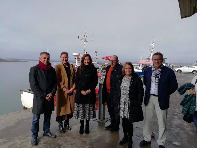 La delegada de Turismo, María de los Ángeles Muriel, visita Isla Cristina.