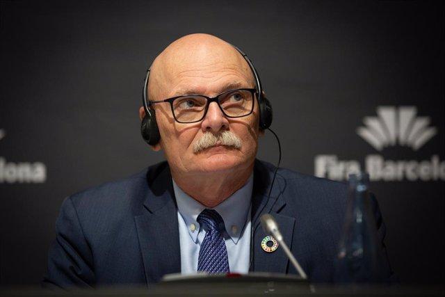El conseller delegat de la GSMA (organització d'operadors mbils i companyies relacionades), John Hoffman en roda de premsa, 13 de febrer del 2020.