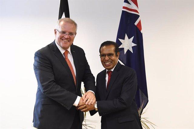 El primer ministro de Timor Oriental Taur Matan Ruak (d) junto al de Australia Scott Morrison.