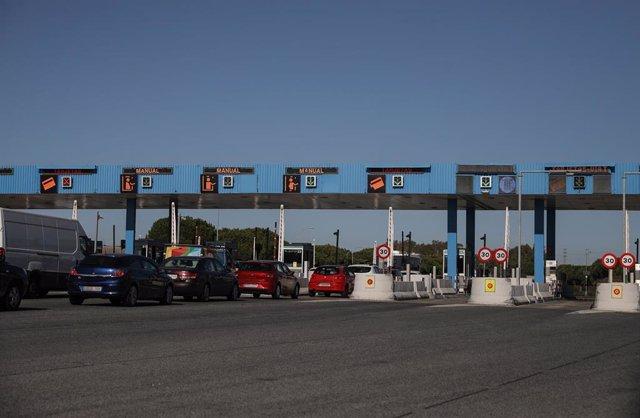 Imágenes de la autopista AP-4  Sevilla -Cádiz antes de que el pasado 31 de diciembre levantaran los peajes