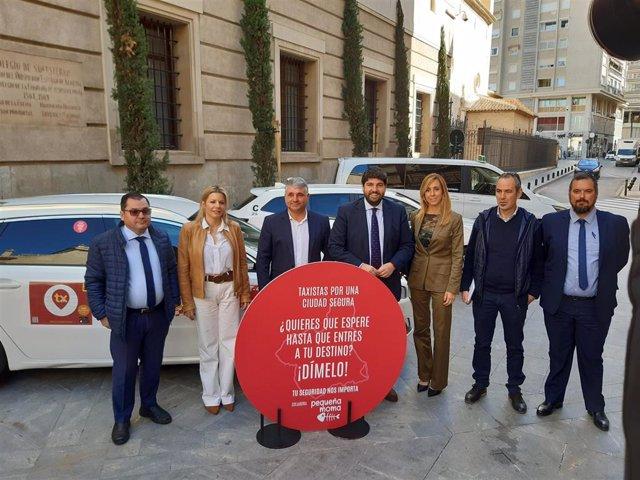 Imagen de la presentación de la campaña 'Taxistas por una ciudad segura'