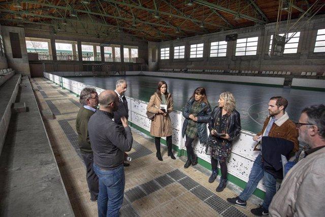 Visita de la comisión de Asuntos Ciudadanos del Ayuntamiento de Pamplona al complejo deportivo de Aranzadi