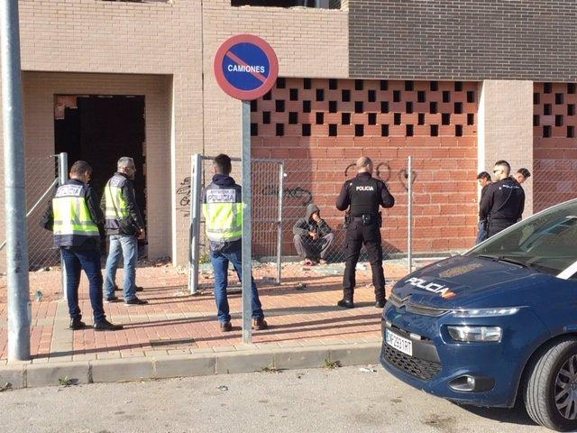 """Nota De Prensa: """"La Policía Nacional Detiene A 13 Personas Por Participar En Una Riña Tumultuaria """"."""