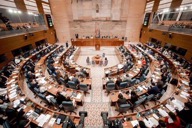 Vista del hemiciclo de la Asamblea de Madrid durante una sesión plenaria en Madrid (España), a 3 de octubre de 2019.