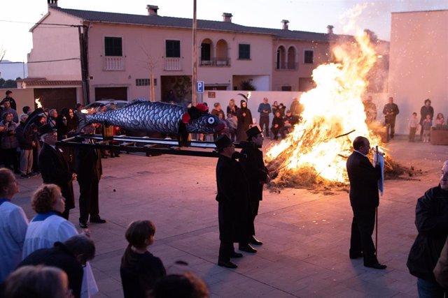 Celebración del entierro de la sardina en Pòrtol.