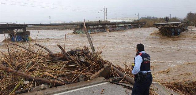 Ponts trencats sobre el riu Tordera entre Blanes (Girona) i Malgrat de Mar (Barcelona) a causa del temporal Gloria.