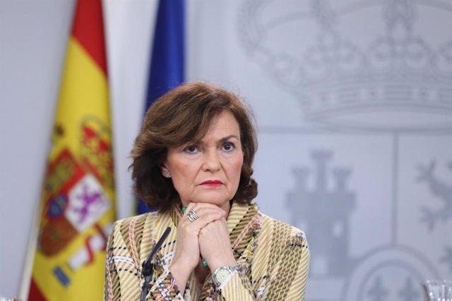 La vicepresidenta primera del Govern central, Carmen Calvo, compareix en roda de premsa després de les reunions del Consell de Ministres i de la Comissió Interministerial sobre el coronavirus a La Moncloa, Madrid (Espanya), 25 de febrer del 2020.