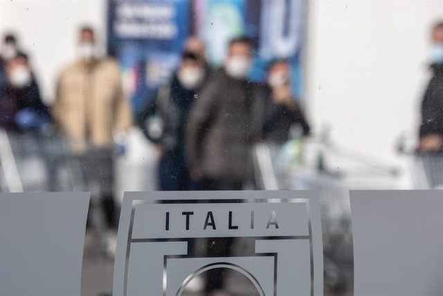 Mascarillas pel coronavirus en el nord d'Itàlia