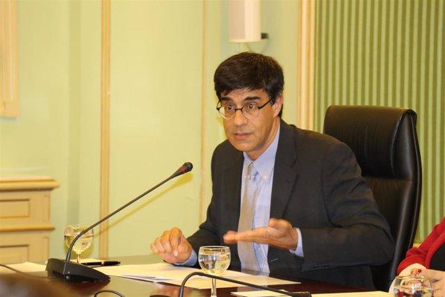 El síndico mayor, Joan Rosselló, en el Parlament