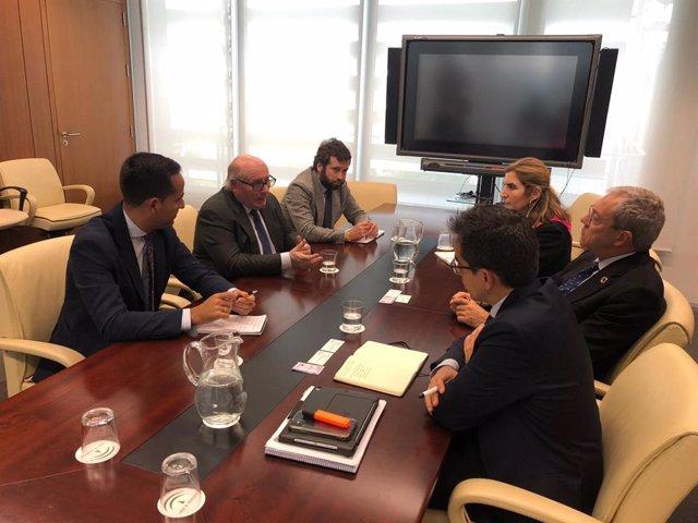 Reunión de representantes de la Federación de Empresarios del Metal (Fedeme) con los consejeros de Economía, Conocimiento, Empresas y Universidad, Rogelio Velasco, y de Empleo, Formación y Trabajo Autónomo, Rocío Blanco.