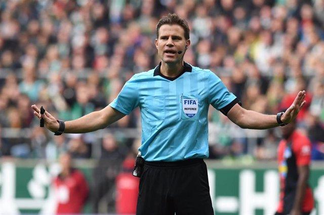 El árbitro alemán Felix Brych