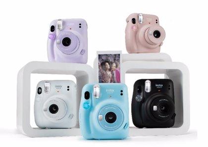 Portaltic.-Diseño renovado y función de 'exposición automática' en la nueva cámara Instax mini 11 de Fujifilm