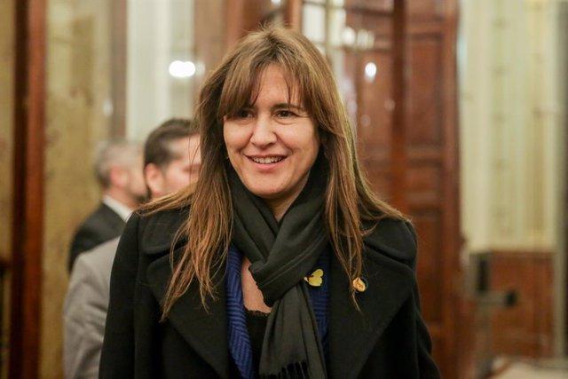 La portaveu de Junts Per Catalunya al Congrés, Laura Borrs, abandona la sessió plenria al Congrés dels Diputats l'11 de febrer del 2020.