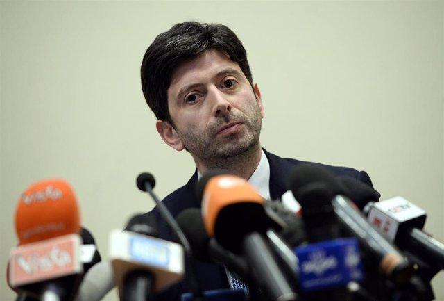 Roberto Speranza, ministro de Sanidad de Italia, en una rueda de prensa en Roma