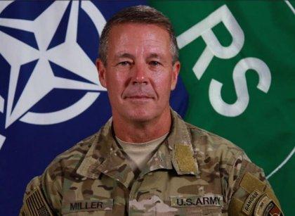 Jefe de la OTAN en Afganistán destaca la reducción de la violencia tras el pacto con los talibán