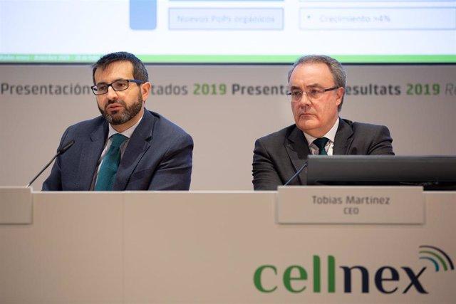 El director de Finanzas y Desarrollo Corporativo de Cellnex, José Manuel Aisa (i), el CEO de Cellnex Telecom, Tobías Martínez (d), comparecen para presentar los resultados del año 2019, Barcelona, a 26 de febrero de 2020.