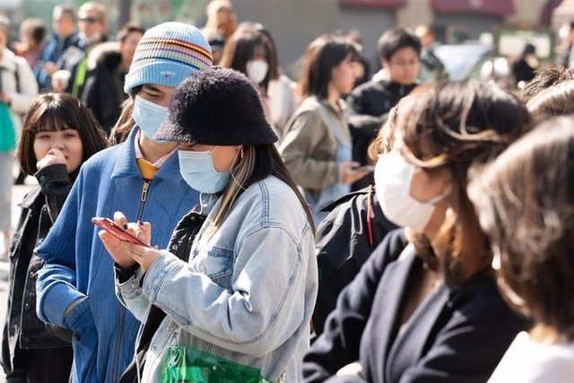 Ebruary 22, 2020 - Tokyo, Japan: Many foreigners and Japanese visit Harajyuku, Fashion town, wearing masks for protection from coronavirus. Japan has almost 850 confirmed coronavirus cases, 691 of which are passengers and crew from the virus-stricken