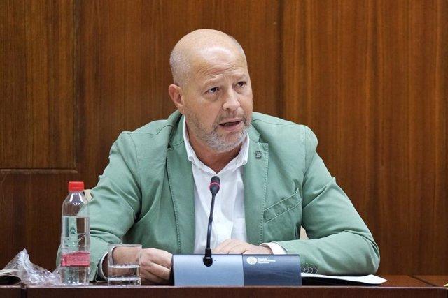 El consejero de Educación, Javier Imbroda, en una imagen de archivo de su comparencia en comisión parlamentaria.