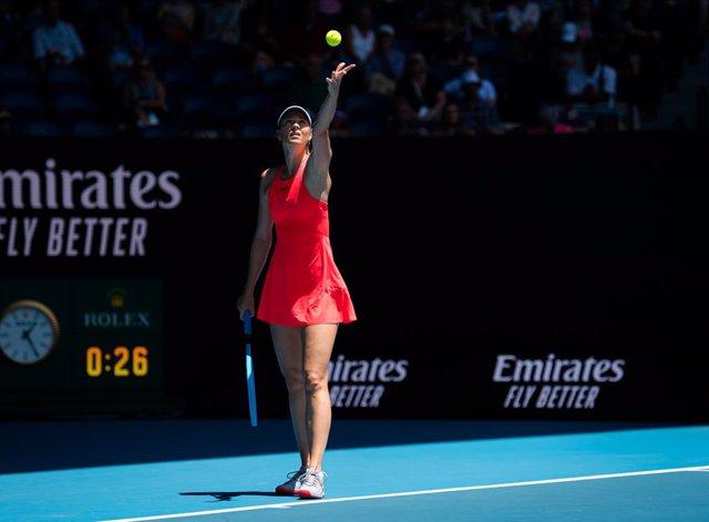 Maria Xarpova durant el seu partit de primera ronda en el torneig de l'Open d'Austrlia 2020.