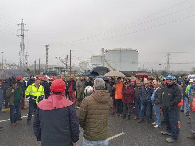 Protesta de trabajadores en As Pontes (A Coruña)