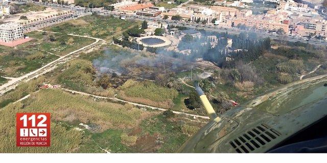 Imagen área del lugar donde ha tenido lugar un incendio de cañas y matorral en Zarandona