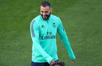 El agente de Benzema desvela la renovación del delantero con el Real Madrid hasta el 2022