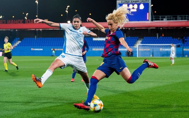 Kheira Hamraoui, en un partido con el FC Barcelona.
