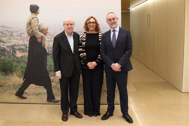 Jordi Camí, Cristina Maragall y Arcadi Navarro tras los cambios de la fundación
