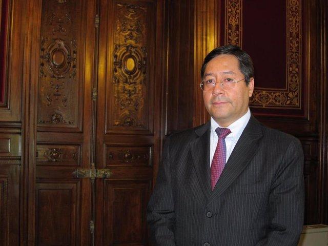 El candidato a la Presidencia de Bolivia por el MAS Luis Arce.