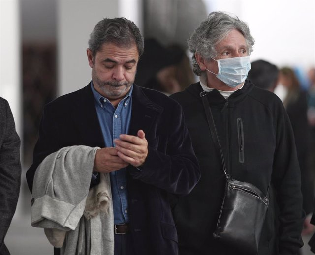 Visitantes, protegidos con mascarillas tras la confirmación de los primeros casos de coronavirus en la capital,