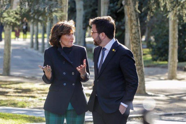 (E-D) La vicepresidenta primera i ministra de la Presidència, Relacions amb les Corts i Memòria Democràtica, Carmen Calvo; i el vicepresident de la Generalitat, Pere Aragonès.