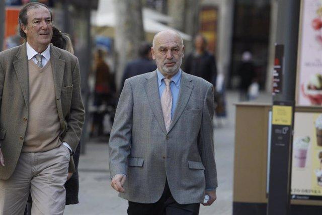 El juez Miguel Florit a su llegada al juicio al que acude por estar acusado de requisar móviles a periodistas y rastrear sus llamadas en 2018.