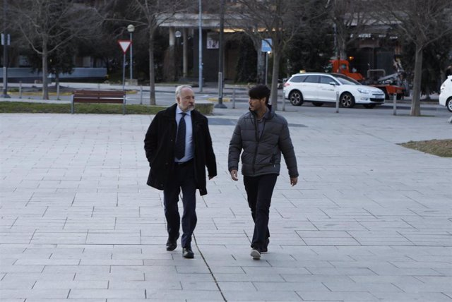 El ex director de la fundación Osasuna, Diego Maquirriain (dech), a su llegada al Palacio de Justicia de Pamplona, donde comienza el juicio por  supuestos amaños de partidos en la temporada 2013-2014, en Pamplona /Navarra, a 20 de enero de 2020.