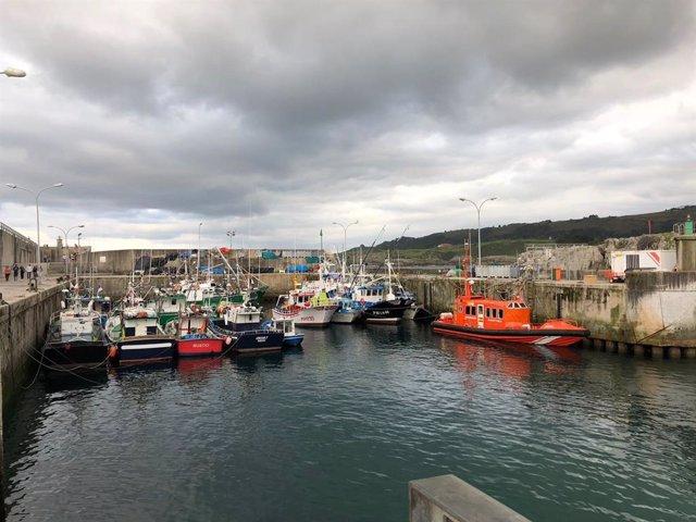 Rural.- Ciudadanos afirma que aplazar el dragadado en el puerto de Llanes a otoñ
