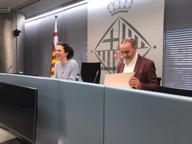 La teniente de alcalde de Ecología, Movilidad y Urbanismo de Barcelona, Janet Sanz, y el concejal de Emergencia Climática y Transición Ecológica, Eloi Badia.