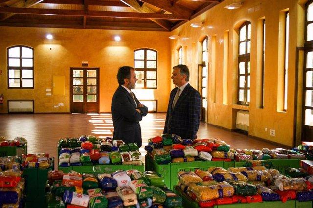 Alimentos donados por la REAAE a Cruz Roja