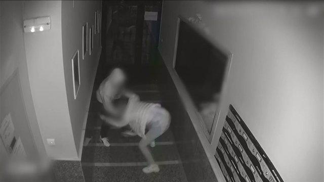 Un instante del asalto grabado por las cámaras.