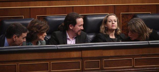 El presidente Pedro Sánchez junto a Carmen Calvo, Pablo Iglesias, Nadia Calviño y Teresa Ribera en el Congreso