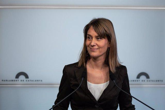 La presidenta de CatECP al Parlament, Jèssica Albiach, en roda de premsa.